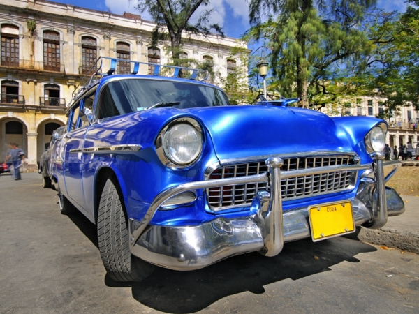 """""""Discovering Havana in Classic Cars"""" Tour"""