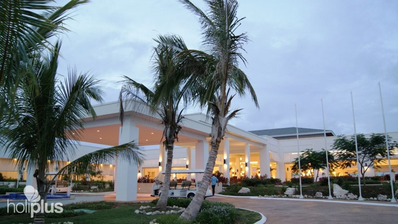 Hotel S Entrance Panoramic View