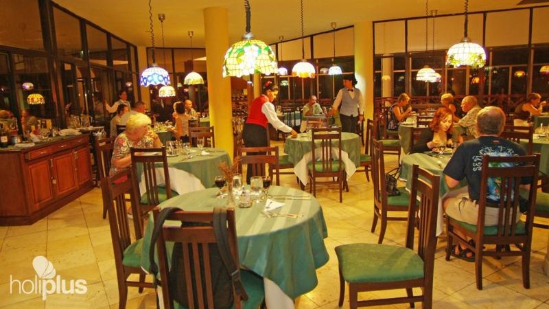 Hotel Rooms At Marea Del Portillo
