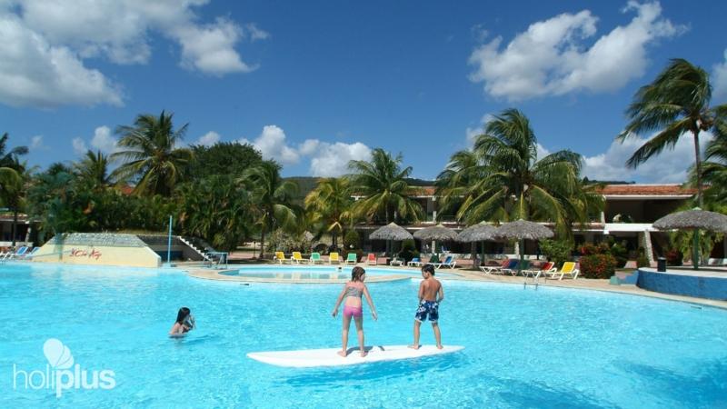 Club Amigo Carisol Los Corales Beach