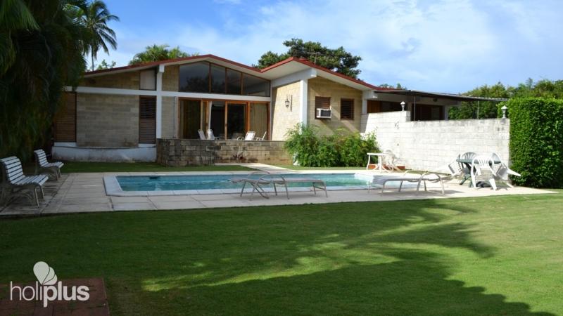 Reservar online pensi n do a fa calle 216 no 11b03 for Casas con piscina en cuba