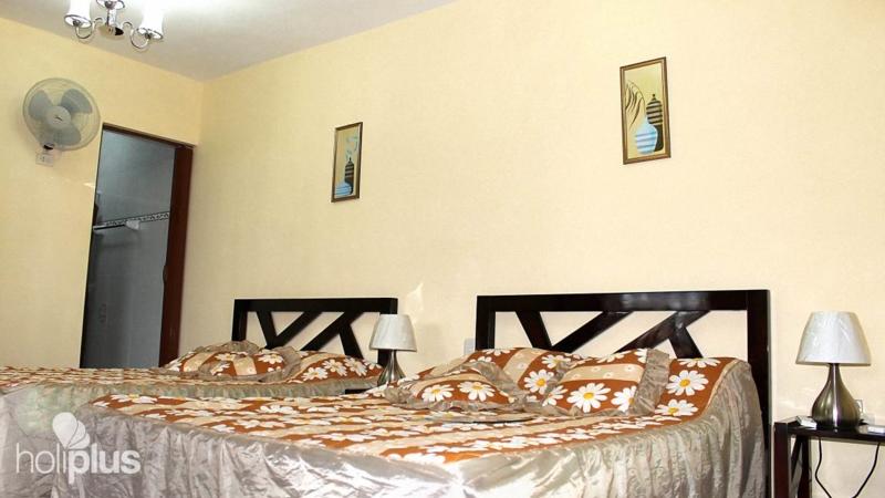 Book online hostal barcel callej n de gald s no 3 - Casa barcelo hostel ...