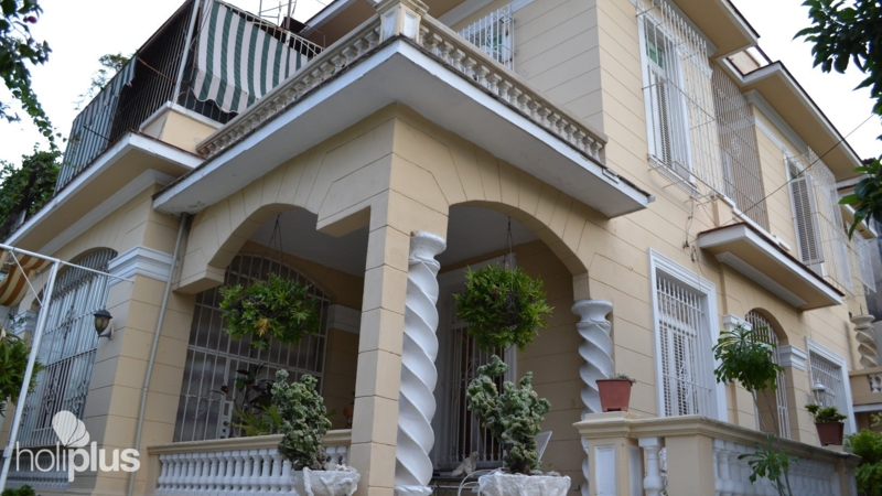 Book online casa nostra calle 27 no 813 vedado havana for Casa mansion los jardines havana